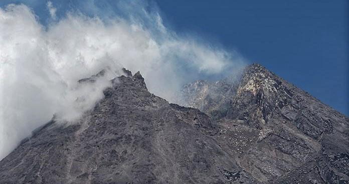 Informasi Teknologi Untuk Mendeteksi Terjadinya Gunung Merapi Meletus