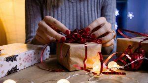 Menyediakan Sebuah Hadiah Yang Bermanfaat Untuk Saudara Kandung