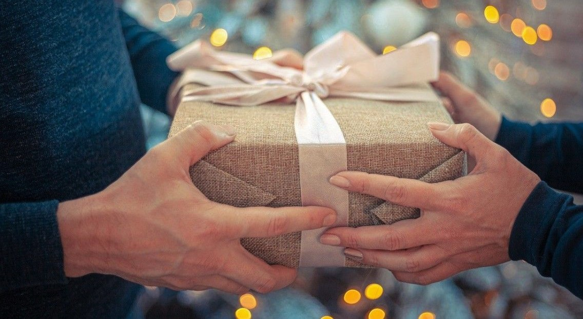 Tips Memberikan Kejutan Untuk Teman Yang Sedang Ulang Tahun